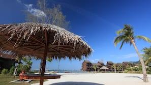 Private beach, white sand, beach volleyball, beach bar
