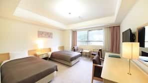 高档床上用品、客房内保险箱、办公桌