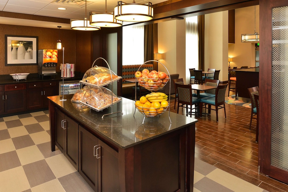 Restaurant, Hampton Inn & Suites Harvey/New Orleans West Bank