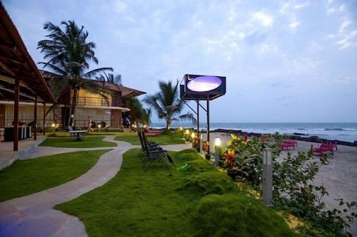 Boomerang Beach Resort Ashvem Ind Great Rates At Expediaie
