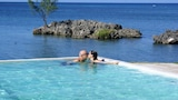 Rhodes Beach Resort Negril - Green Island Hotels