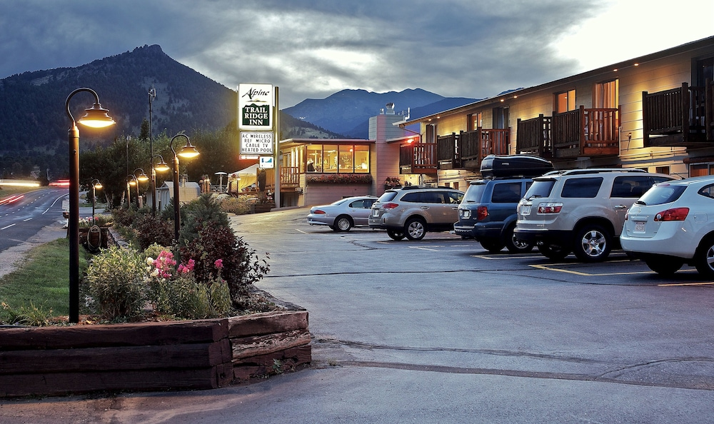 Front of Property - Evening/Night, Alpine Trail Ridge Inn