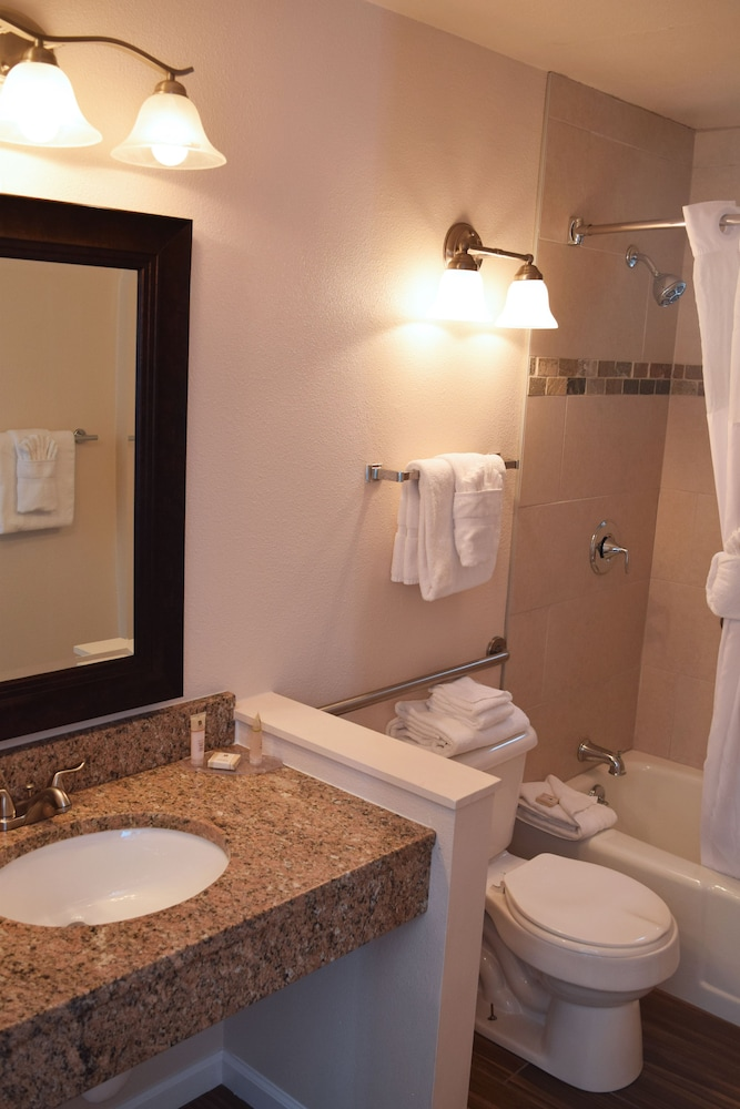 Bathroom, Alpine Trail Ridge Inn