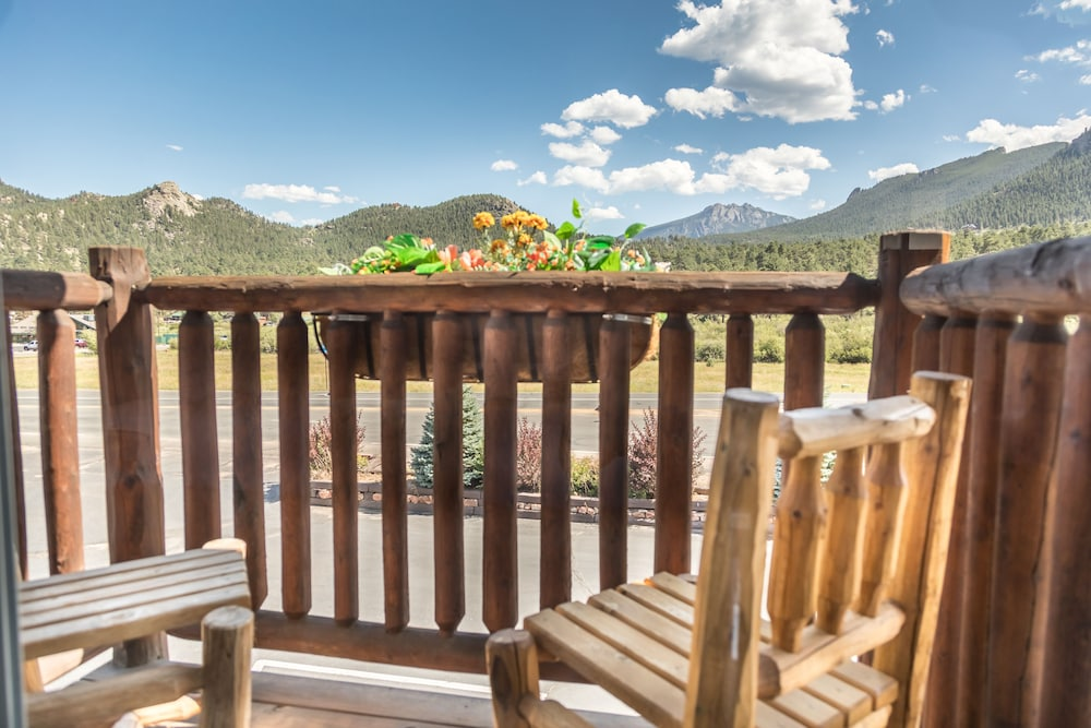 Balcony, Alpine Trail Ridge Inn