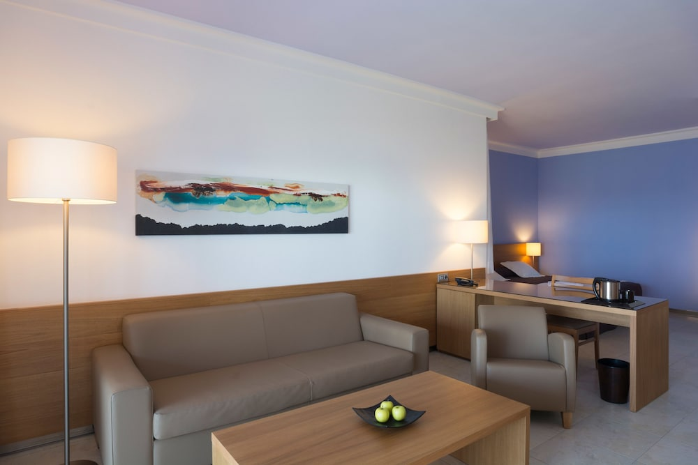 Living Area, TUI BLUE Suite Princess (Adults Only)