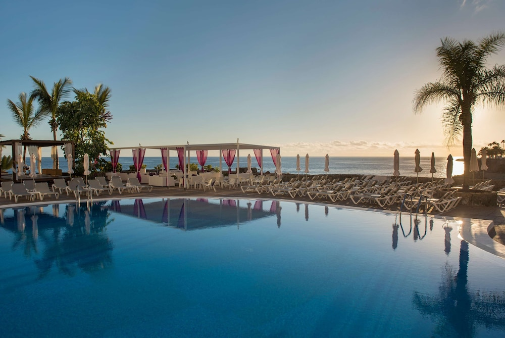 Outdoor Pool, TUI BLUE Suite Princess (Adults Only)