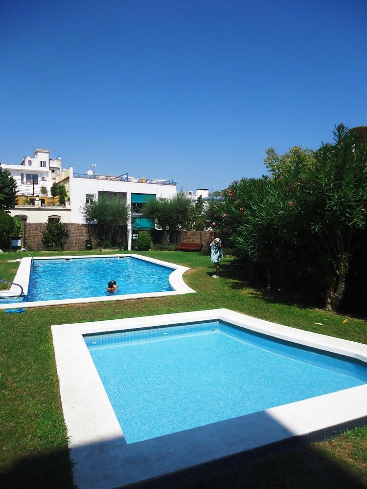 Apartamentos punta marinera precios promociones y for Costo piscina coperta al coperto