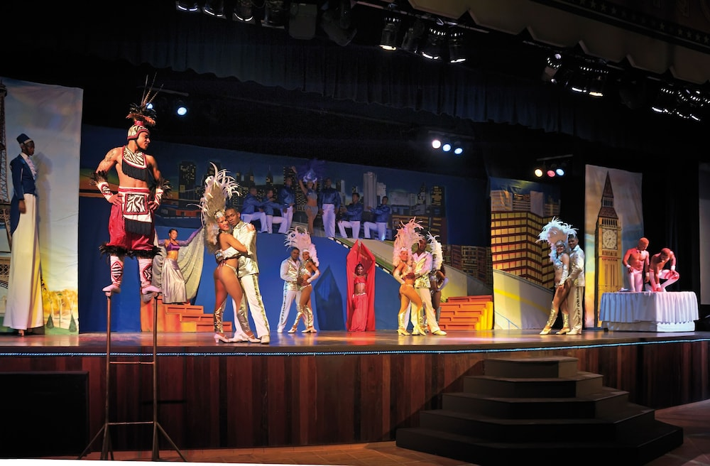 Theater Show, Bahia Principe Grand Turquesa - All Inclusive
