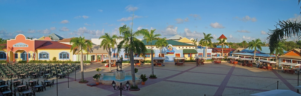 Property Grounds, Bahia Principe Grand Turquesa - All Inclusive