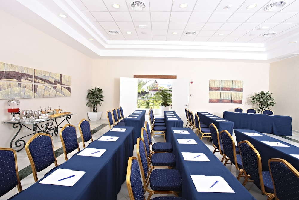 Business Center, Bahia Principe Grand Turquesa - All Inclusive