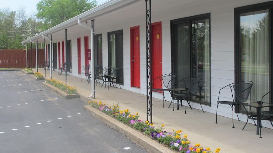 All Star Inn & Suites