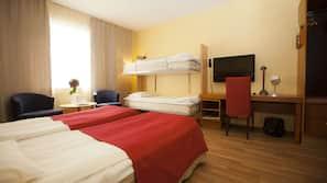 Mörkläggningsgardiner, strykjärn/strykbräda, gratis wi-fi och sängkläder