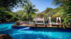 5 piscinas externas
