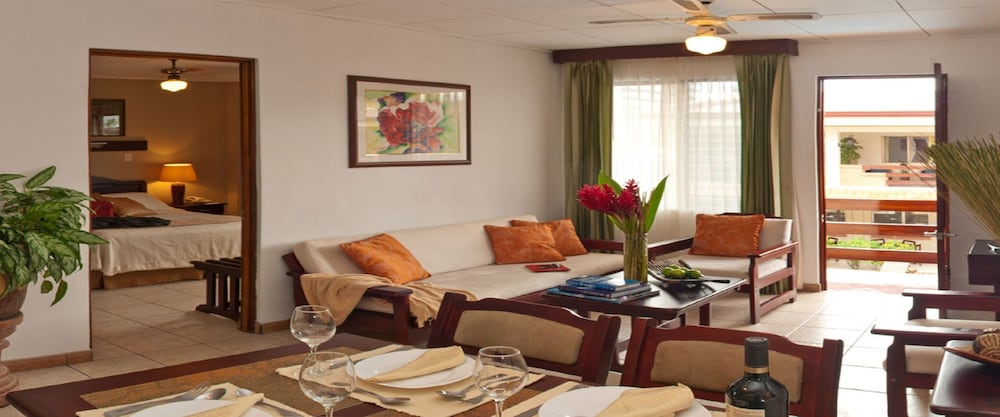 Living Room, La Sabana Hotel Suites Apartments