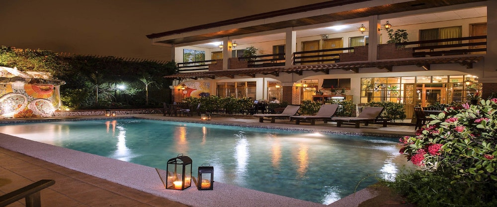 Indoor/Outdoor Pool, La Sabana Hotel Suites Apartments