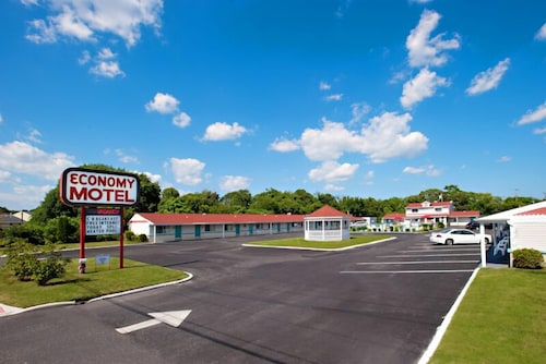 Property Grounds, Economy Motel Inn & Suites