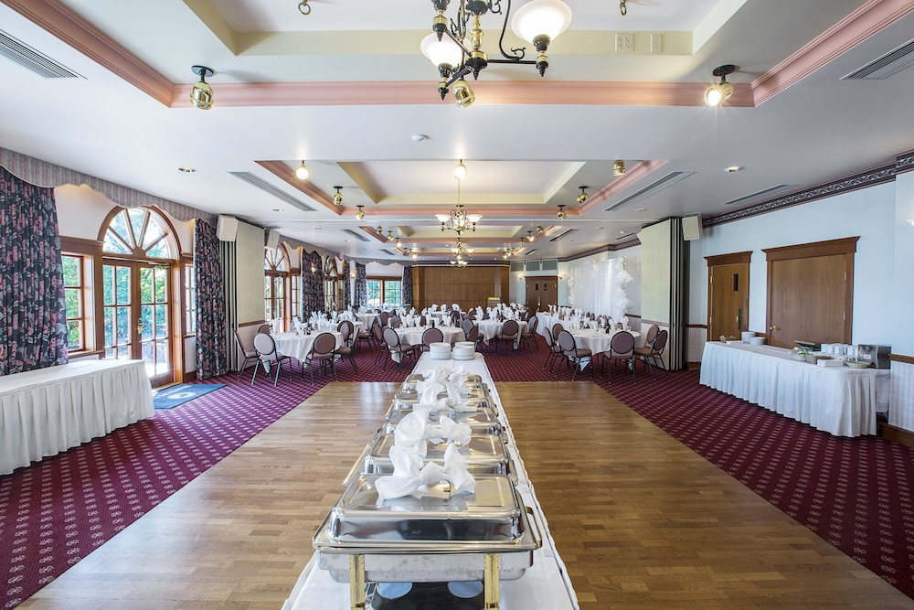 Banquet Hall, Painter's Lodge