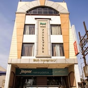 Hotel MM Yellowuds @ Amritsar Bus Stand
