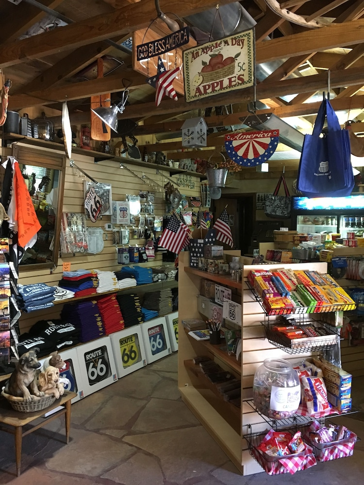 Gift Shop, Canyon Motel and RV Park