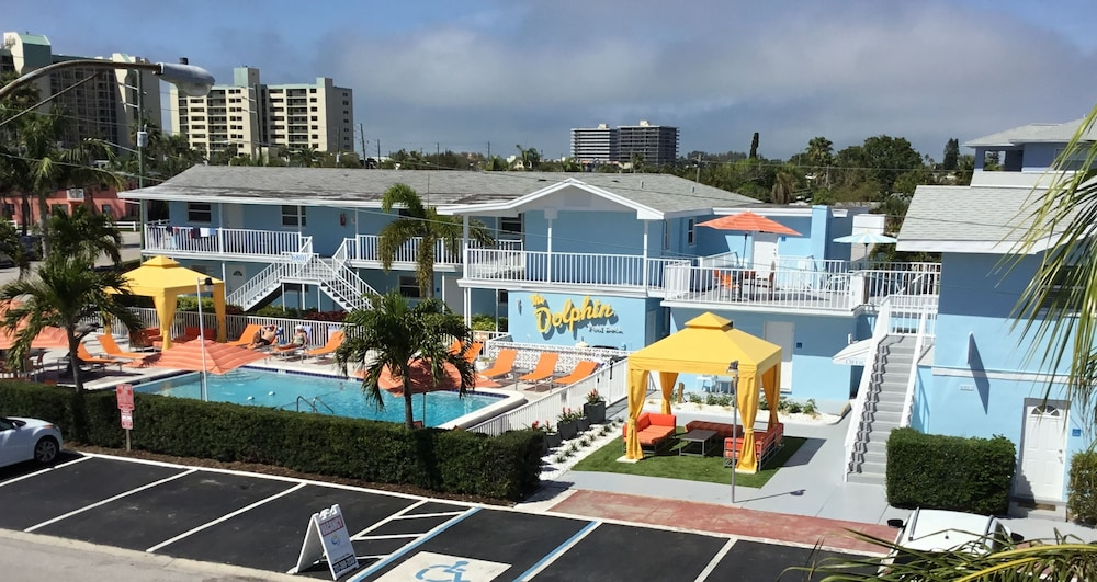 Property Grounds, St Pete Beach Suites