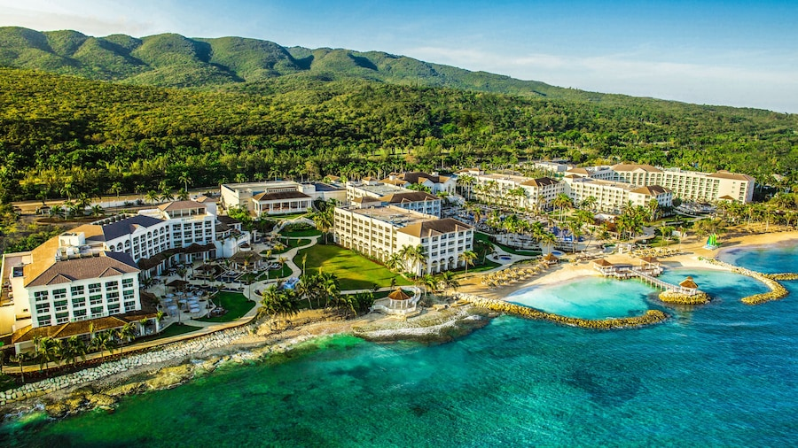 Hyatt Ziva Rose Hall – All Inclusive