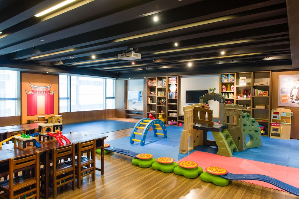 Game Room, Silks Place Tainan