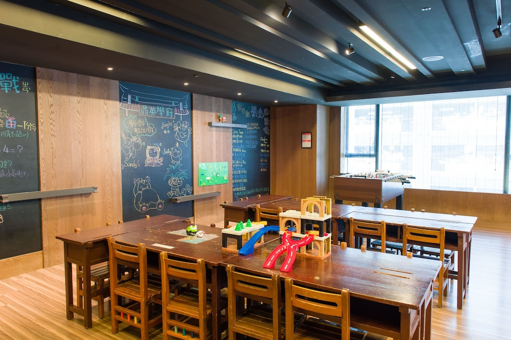 Children's Play Area - Indoor, Silks Place Tainan