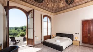 Frette Italian sheets, Select Comfort beds, in-room safe