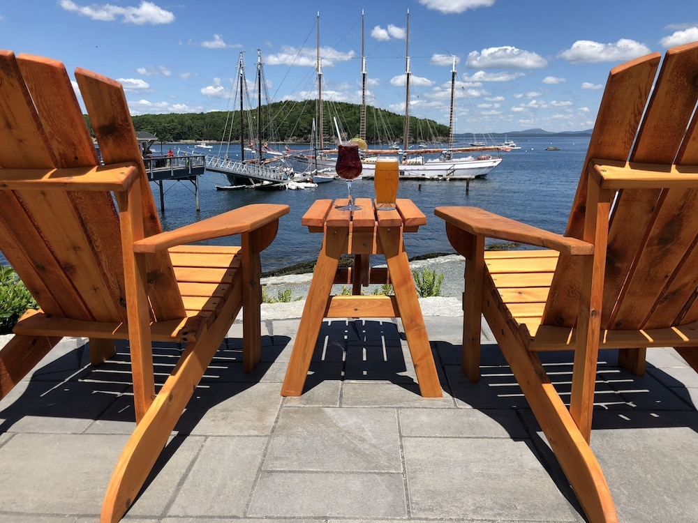 Outdoor Dining, Bar Harbor Inn