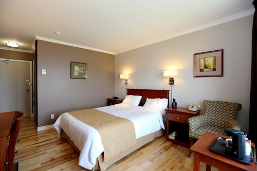 Check Expedia for Availability of Auberge des Battures