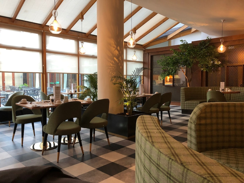 Terrace/Patio, Tullamore Court Hotel