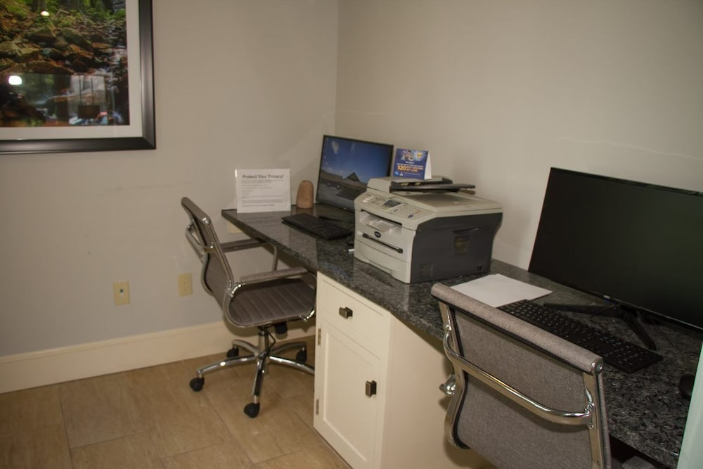 Business Center, Best Western Acadia Park Inn