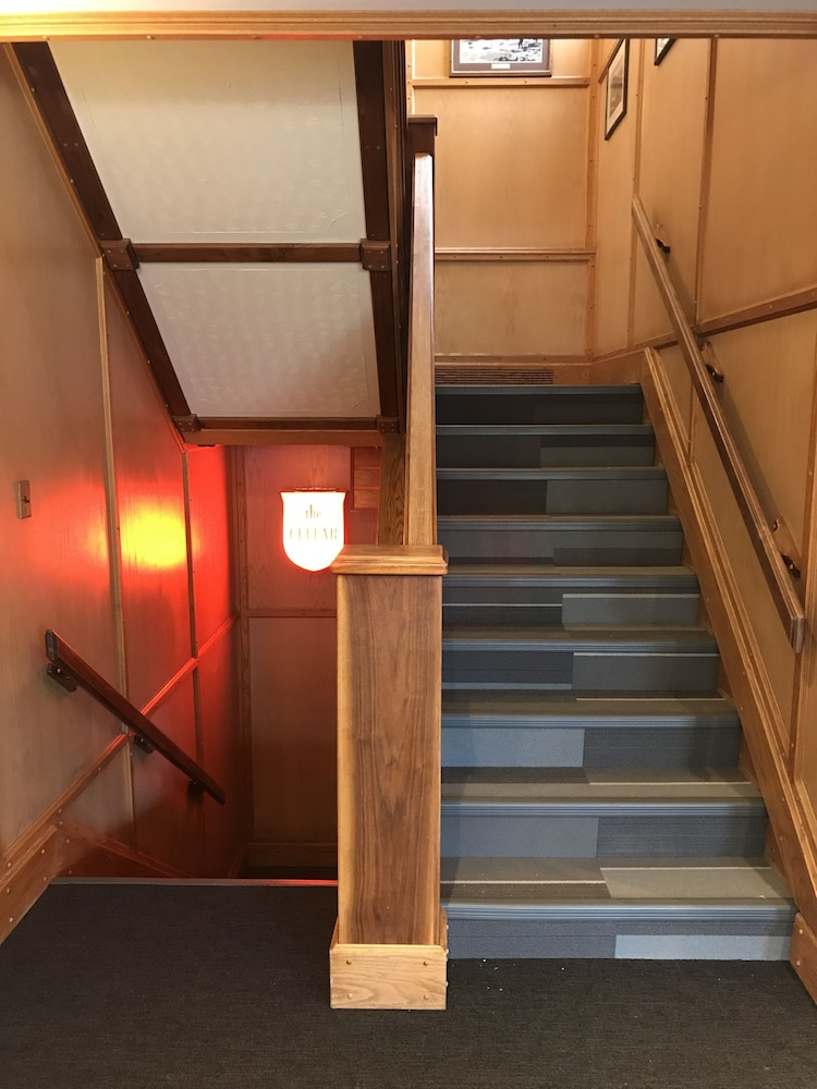 Staircase, Edgewater Hotel