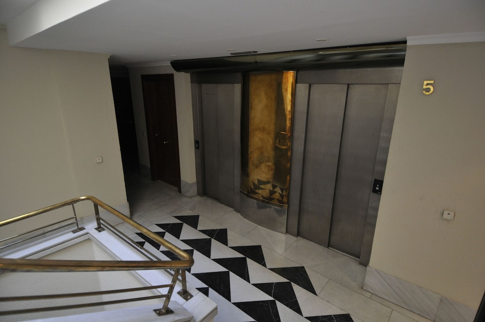 Staircase, Mola! Suites