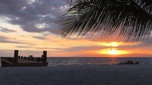 Plage privée, plongée sous-marine, beach-volley, bar de plage