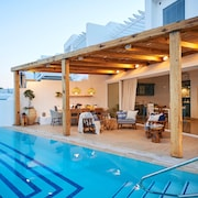 Louis Nausicaa Luxury Villas