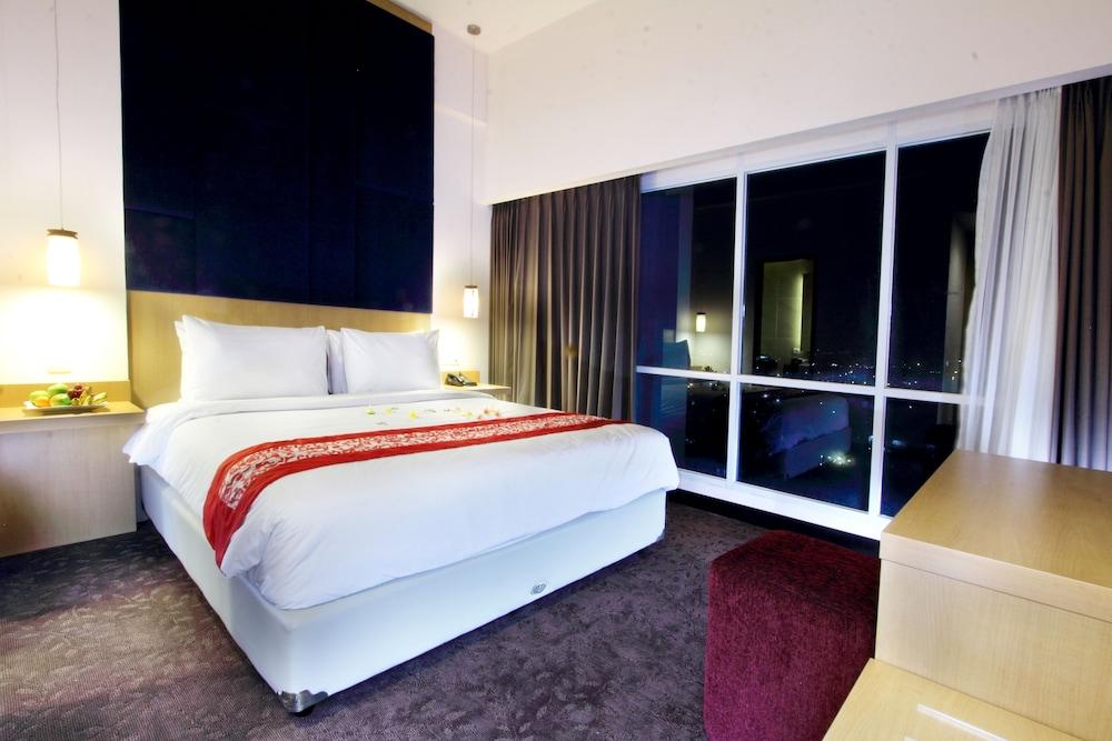 swiss belinn malang in malang hotel rates reviews on orbitz rh orbitz com swiss belinn malang swimming pool swiss belinn malang swimming pool