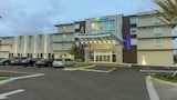 Holiday Inn Express & Suites Miami Arpt And Intermodal Area - Miami Hotels