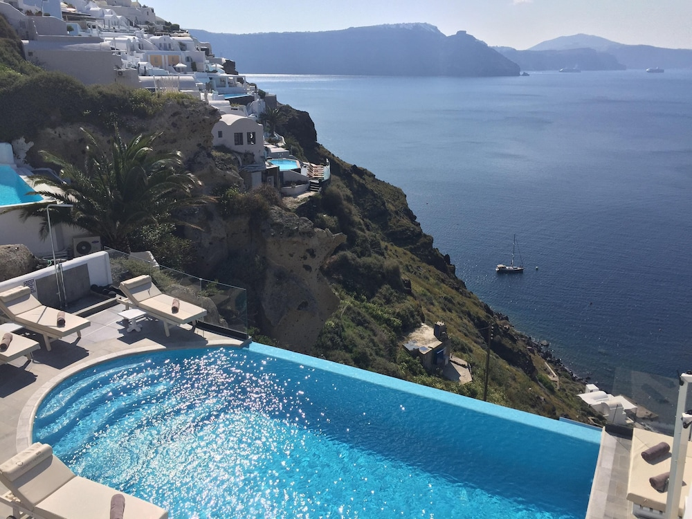 Pool, Santorini Secret Suites & Spa