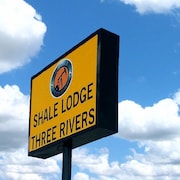 Shale Lodge Three Rivers