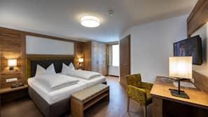 Hochwertige Bettwaren, Daunenbettdecken, Pillowtop-Betten, Zimmersafe