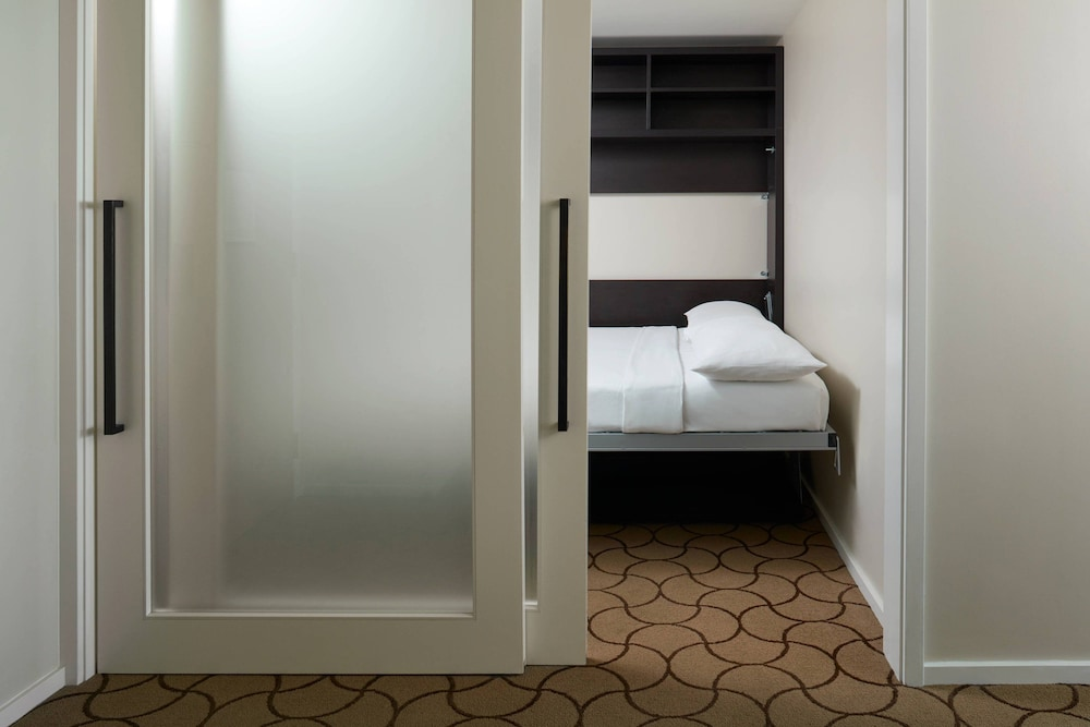 Room, Delta Hotels by Marriott Toronto