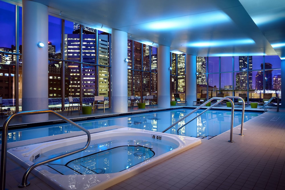 Pool, Delta Hotels by Marriott Toronto