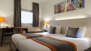 房內夾萬、隔音、免費嬰兒床、免費 Wi-Fi