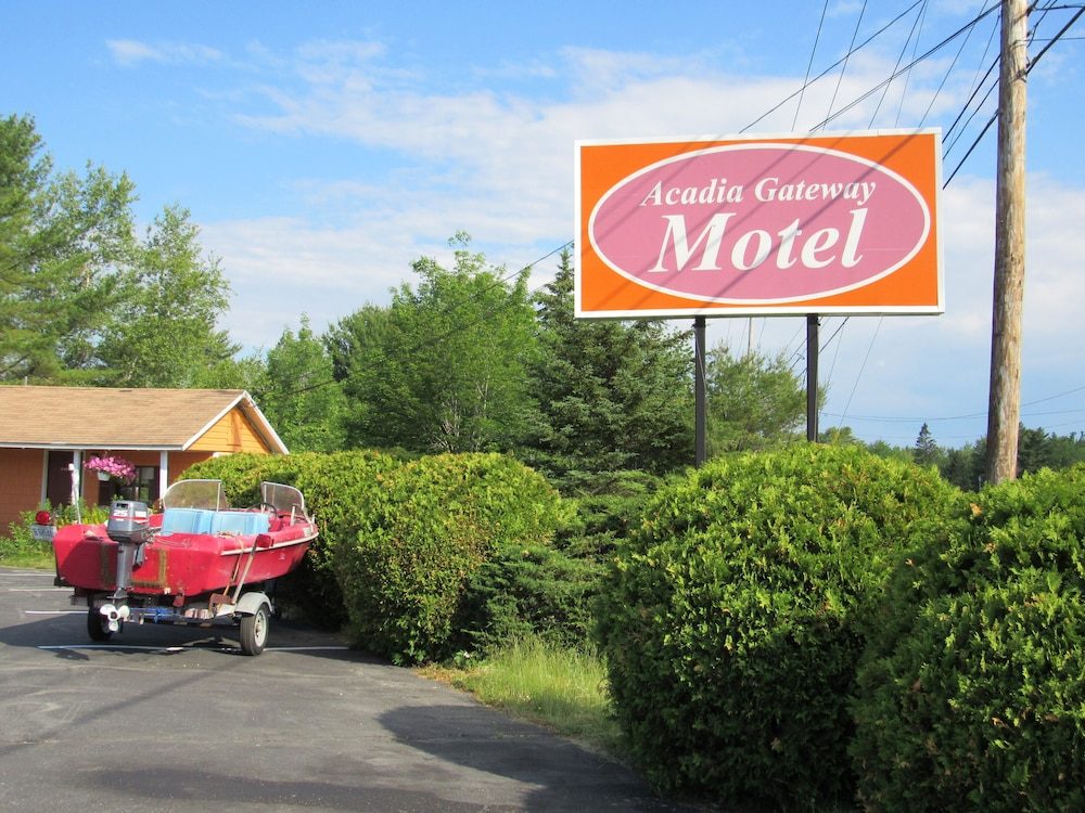 Front of Property, Acadia Gateway Motel