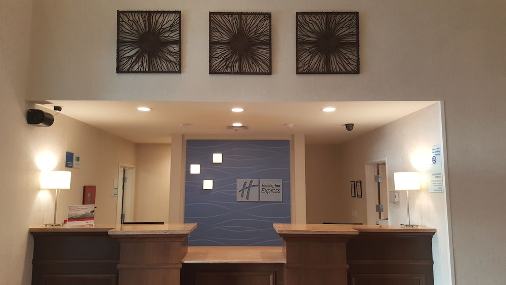 Lobby, Holiday Inn Express & Suites Springville-South Provo Area
