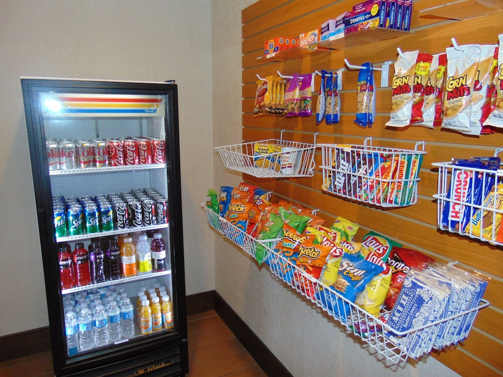Snack Bar, Holiday Inn Express & Suites Springville-South Provo Area