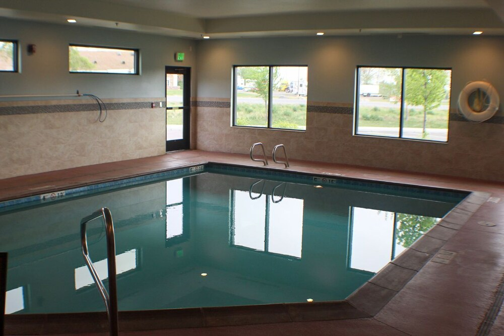 Pool, Holiday Inn Express & Suites Springville-South Provo Area