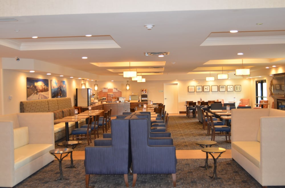 Lobby Sitting Area, Holiday Inn Express & Suites Springville-South Provo Area