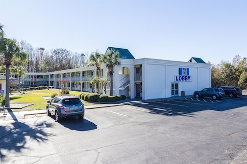 Check Expedia for Availability of Motel 6 Townsend GA